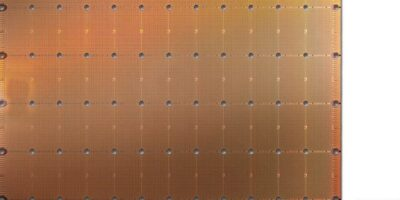 """World's largest chip"" has more compute cores for data access"