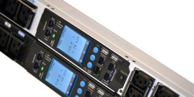 Intelligent power distribution units include redundancy packs