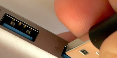 USB3 provides access to USB 2.0 despite a closed chassis