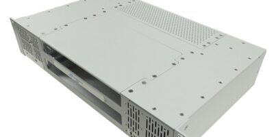 Two-slot 6U VPX rackmount chassis keeps modules cool