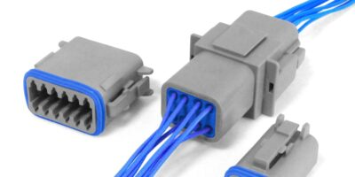 Environmentally-sealed 250V DC connectors are reliable in harsh conditions