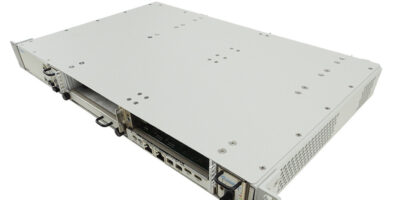 Open VPX rack mount chassis offers two playload slots