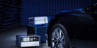 Automotive radar sensors simulate laterally moving objects