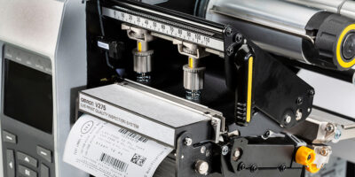 Omron integrates printer and barcode scanner for label verification